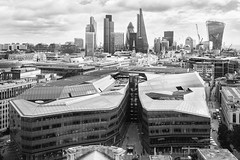 London. (Jose_Pérez) Tags: london londres blackandwhite blancoynegro city thecity byn bw
