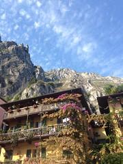 Limone (hugoholunder) Tags: flickr gardasee häusee berg italien