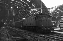 FS E 428.027 I Staz. MI Centrale 26/10/1980. Foto Roberto Trionfini (stefano.trionfini) Tags: train treni bahn zug fs e428 milano italia italy