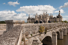 as impressive as it's size (v a n d e r l a a n . fotografeert) Tags: 201709110580 chambord france frankrijk asimpressiveasitssize bridge brug chateau vacation vakantie2017 kasteel