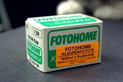 Fotohome Color film (1985) (Arne Kuilman) Tags: film box doosje doos doosjes verpakking packaging retro 135 35mm kleinbeeld fotofilm photo fotografie photography heilbronsbrugboetiek fotohome fotohome2000 c41 kleurenfilm luminar asa100 iso100 1985