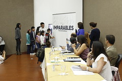 SESIÓN DE PLENO NRO. 37 ENTREGA FORMATO PARA FIRMAS QUE PROMUEVE UN PROYECTO DE LEY DE LUCHA CONTRA EL CÁNCER.