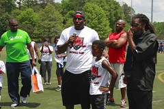 "thomas-davis-defending-dreams-foundation-0309 • <a style=""font-size:0.8em;"" href=""http://www.flickr.com/photos/158886553@N02/36371348993/"" target=""_blank"">View on Flickr</a>"