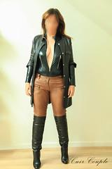 elle348 (Cuir Couple) Tags: cuir leder leather cuero veste jacket jupe skirt pantalon pant hosen mistress maitresse cuissardes maître master bondage bdsm