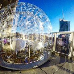 It's a real #Bubble ... #bubble #rooftopbarsnyc #nyclife #nycnightlife... (rooftopbarsnyc) Tags: bubble nyclife nycnightlife rooftopbarsnyc