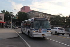 IMG_1327 (GojiMet86) Tags: mta nyc new york city bus buses 1999 t80206 rts 5185 q101 steinway street astoria blvd