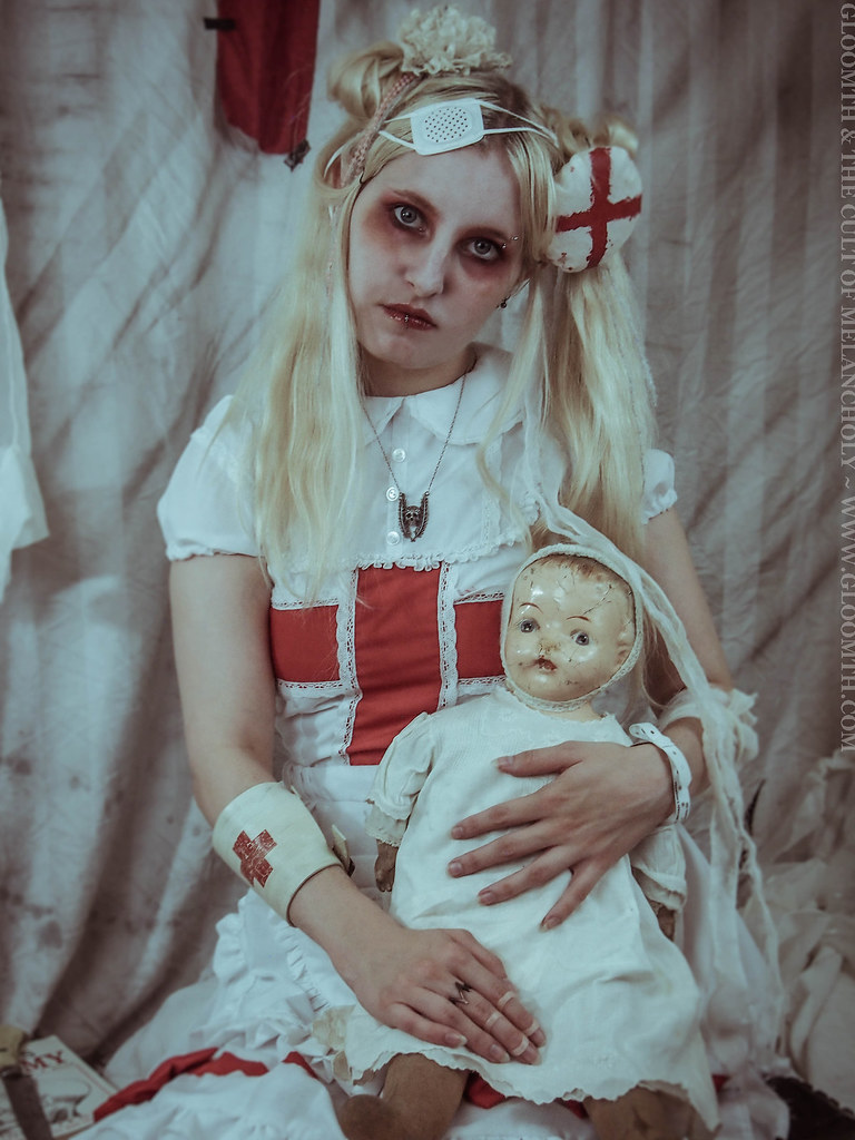 0cf8fc5e6a439 Fever (gloomth) Tags: gloomth hospital medical creepy nurse bloody menhera  guro gurokawa doll