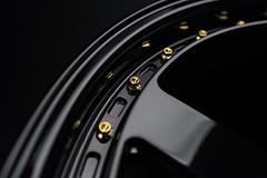 FF550 | Gloss Black
