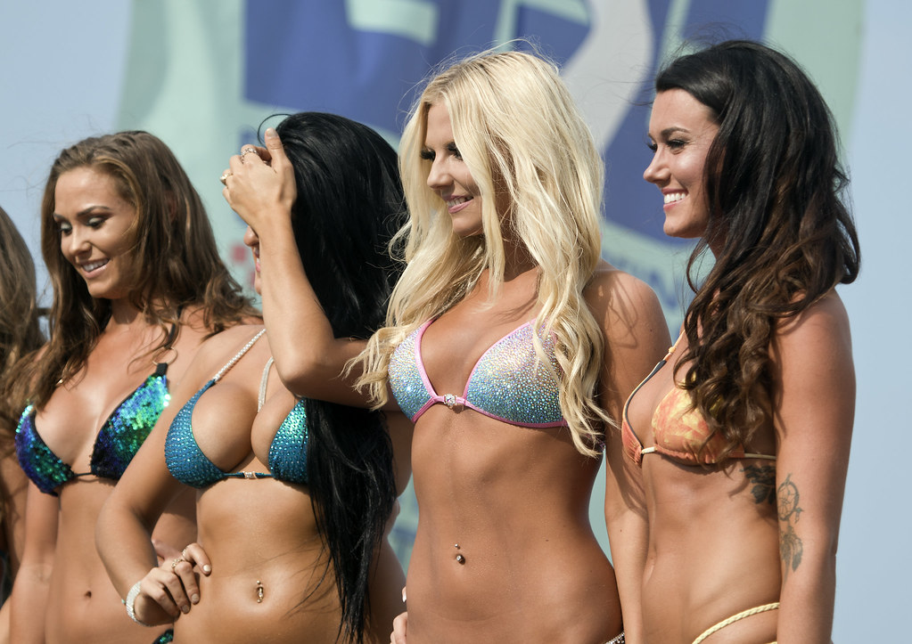 ecsc bikini contest