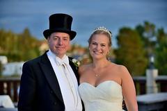 Newly wed (Psyko Spiff) Tags: d800 nikon ninaxbröllis2017 idre bride groom tophat dress wedding