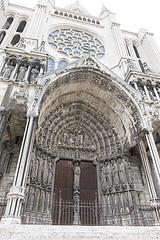 _DSC0392 (Alexandre Dolique) Tags: d850 nikon chartres cathédrale cathedral gotique roman tour toîts vitraux bleu crypte en lumière