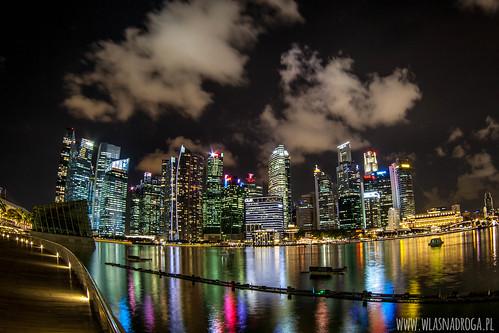 Singapur nocą