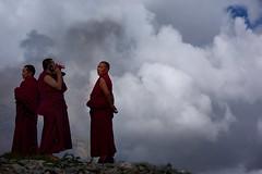 Ganden Monks, Tibet 2017 (reurinkjan) Tags: tibetབོད བོད་ལྗོངས། 2017 ༢༠༡༧་ ©janreurink tibetanplateauབོད་མཐོ་སྒང་bötogang tibetautonomousregion tar ütsang gandenmonastery དགའ་ལྡན་ monkགྲྭ་བ།grwaba tibetanབོད་པböpa tibetanpeopleབོད་མིbömi བོད་འབངསbömbang thewildfolksoftibetབོད་སྲིནbösin tibetanpeopleབོད་རིགསbörik lhasaautonomousprefecture taktséསྟག་རྩེ།county