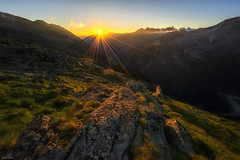 First Light: Zillertal Valley (Dan_Fr) Tags: zillertal mayrhofen austria landscape sunrise morning light dawn mountain alpine alps sunstar europe olperer sony a7r valley