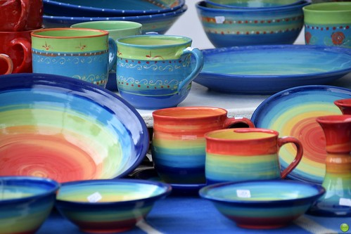 Cheerful tableware