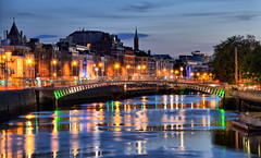 Blue Hour in Dublin (Manuele Cantù) Tags: dublin ireland europe night blue hour river liffey city lights capital yellow long exposure hdr nikon d5500 town wow