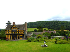 27vii2017 Stokesay 15 (garethedwards36) Tags: courtyard grass green building architecture lumix stokesay castle shropshire uk