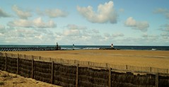 Soorts-hossegor  ,Capbreton (wazaryph) Tags: plage sable eau bleu rainbowofnature autofocus rivage paysage littoral extérieur côte océan color couleur nuage cloud phare