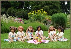 Picknick im Park ... (Kindergartenkinder) Tags: sommer blumen personen kindergartenkinder garten blume park annette himstedt dolls kindra sanrike milina wasserschlosslembeck setina tivi annemoni