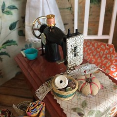 The elves must have their own tiny sewing machine #miniatures #dollhouse #moshimoshistudio #hilarywagstaff (little_moshi) Tags: instagram ifttt