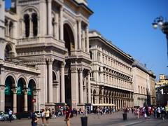 Piazza Duomo .Milano centro - Italy (ClaudioLicataPA) Tags: milano architettura lombardia duomo cattedrale grattacielo street italy bw business color