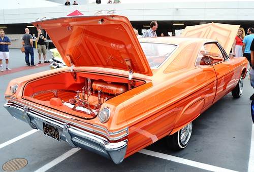 Lowrider Car Show at Breakfast Club Cruise-In @ the Petersen