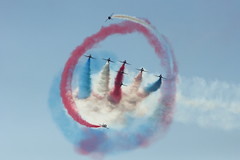 Red Arrows AFW 2017 (spipra) Tags: afw2017 airshow demonstration airplane raf sky aircraft hawk jet