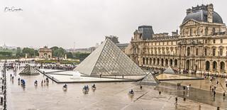 Rainy day at the Louvre, Paris