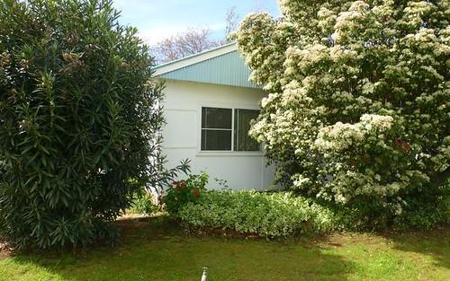 8 Thomas Street, Parkes NSW 2870