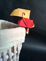 Toucan (H.T. Quyet) (Helyades) Tags: origami quyet animal bird oiseau carré square soie tissue fold pli pliage