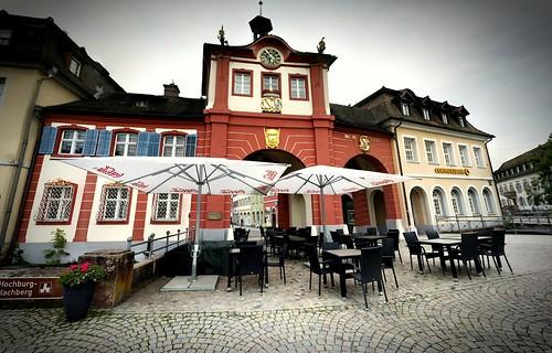Vun Friburg noch Lohr z'ruck gfahre un in Emmedinge o'gahalte,  zum ä Kaffee trinke...