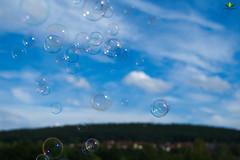 Seifenblasen im Wind  #SecondWind (Argentarius85) Tags: nikond5300 nikkor35mm18g flickrfriday secondwind soapbubbles seifenblasen