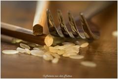 chopsticks and a fork (HP032309) (Hetwie) Tags: rice rijst chopsticks eetstokjes evolution theme macromaandag macromondays vork fork