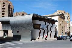 Edificio en Huesca (Aragón, España, 23-4-2017) (Juanje Orío) Tags: huesca provinciadehuesca aragón españa spain 2017