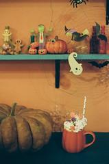 42820010 (_._13) Tags: 필름사진 필름 미놀타x700 film filmphotography filmphoto onfilm 35mmfilm analogue colorfilm filmisnotdead minoltax700 плёнка 35ммплёнка плёночнаяфотография halloween halloweentreats coffee coffeeonfilm cafe seoulcafe allthatsweets yum 카페 커피