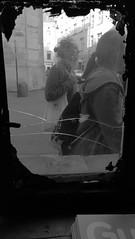 (TM1ka) Tags: street streetphoto urban tm1ka monochrome blackandwhite noiretblanc sw bw krakau kazimierz cracow krakow p10 ooc