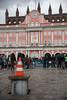 20171309FürFreiRäumeHROBR-05 (bildwerkrostock) Tags: rostock kundgebung rathaus neuermarkt bürgerinitiativelsgrostockde lsg wagenplatz freiräume regenwetter gentrifizierung stadtpolitik jetzewagenplätze