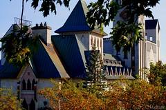 170919-068 Abbaye St-Benoît-du-Lac (clamato39) Tags: abbaye religieux religion estrie provincedequébec québec canada bâtiment building cloître ciel sky