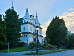 Holy Trinity Ukrainian Orthodox Cathedral (Jonathan F.V.) Tags: holy trinity ukrainian orthodox cathedral vancouver mount pleasant vancity hellobc explorecanada explo explorebc