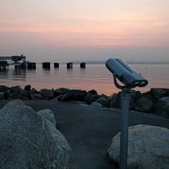 #sunset #ferrydock #viewingscope #binoculars #viewingarea #pugetsound #PNW #waterfront #edmonds #beach (Heath & the B.L.T. boys) Tags: instagram beach park ferry pugetsound binoculars rocks sunset pacificnorthwest