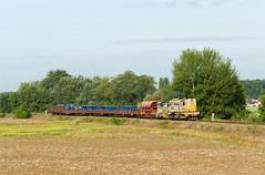 Petrolsped na Skaličanke (Nikis182) Tags: railroad train 740821 juso psp petrolsped diesel locomotive pkp 25 holíč nad moravou čkd nikis182 pokladač koľajových polí