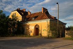 Lipa (Krzysztof D.) Tags: pociąg train zug kolej bahn railway polska poland polen lipa station stacja bahnhof bahnhofbuilding dworzec architecture architektura