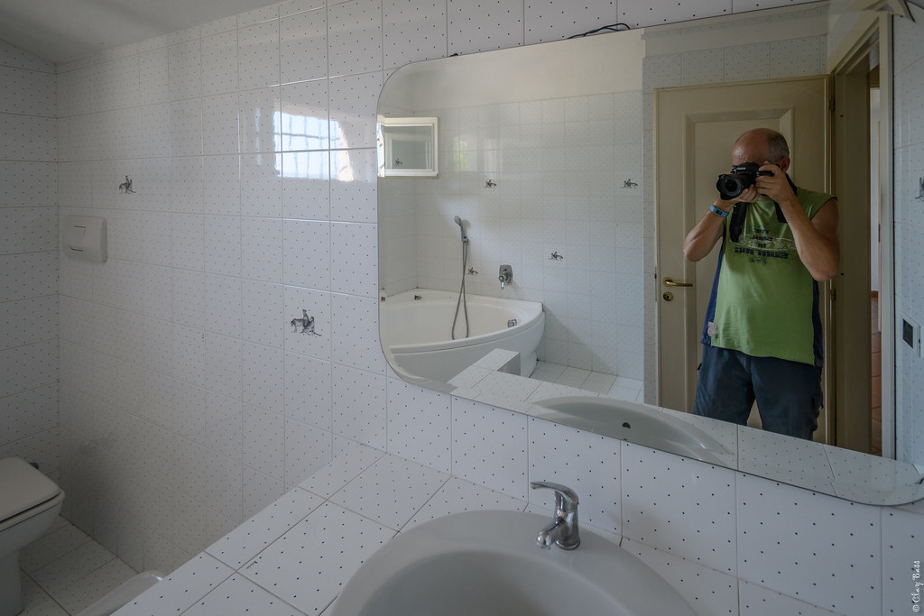 The world 39 s best photos of bathroom and selfie flickr hive mind - Selfie in bagno ...