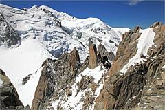 Le pied de l'Aiguille du Midi, côte ouest, Haute Savoie, Alpes, France (claude lina) Tags: claudelina france alpes hautesavoie montagne mountain neige ice glace paysage landscape massifdumontblanc aiguilledumidi snow montblanc