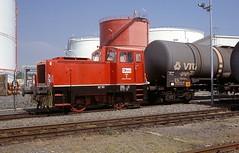 Gera  WL 2  05.05.00 (w. + h. brutzer) Tags: gera diesellok dieselloks eisenbahn eisenbahnen train trains railway deutschland germany lokomotive locomotive zug werkloks webru analog nikon