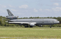 Royal Netherlands Air Force (Koninklijke Luchtmacht) KC-10 T-264 (birrlad) Tags: eindhoven ein airport netherlands aircraft aviation airplane airplanes airforce military defense tanker base mcdonald douglas dc10 kc10 t264 mcdonnell dc1030cf royal air force koninklijke luchtmacht naf training mission trijet rare classic realaircraft arrival arriving landing landed runway taxi taxiway