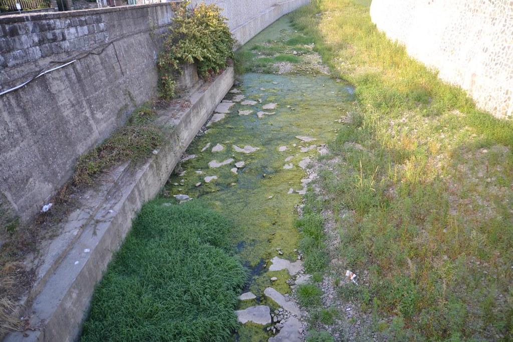 Resco un fiume in secca anche il valdarno nella morsa - Letto di un fiume in secca ...