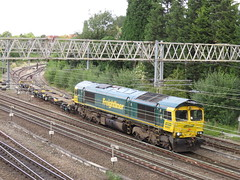 66957 on 4H68 Guide Bridge Yard (Flhh) - Crewe Bas Hall S.S.M. at Heaton Norris 24/08/17 (37686) Tags: 66957 4h68 guide bridge yard flhh crewe bas hall ssm heaton norris 240817