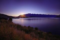Sunrise at Lake Wakatipu (lfeng1014) Tags: sunriseatlakewakatipu sunrise lakewakatipu queenstown otago southisland newzealand nz landscape longexposure 60seconds colourfulmorning lake mountain sunrays travel lifeng