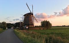 Sunset watcher (Melnikovi) Tags: windmillatatsunset sunset netherlands nederland polder holland gein abcoude windmill windmills